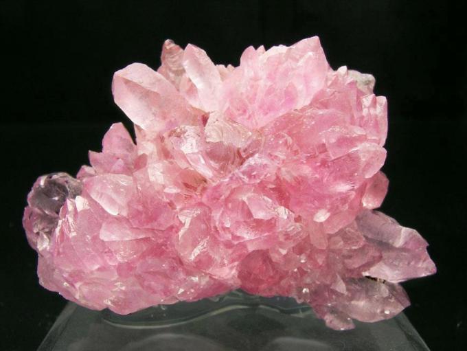 rose-quartz-crystal